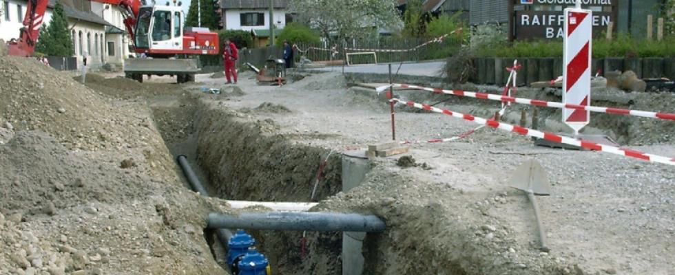 Wasserleitungserneuerung in Moorenweis, Ausbau Staatsstraße 2054